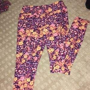 LuLaRoe Pants - LulaRoe flowery leggings
